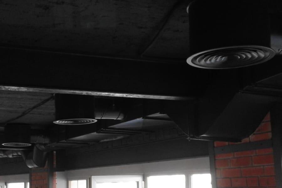 Монтаж вентиляції в ресторані LOFT